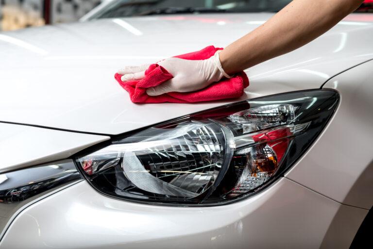 czyszczenie samochodu - woskowanie